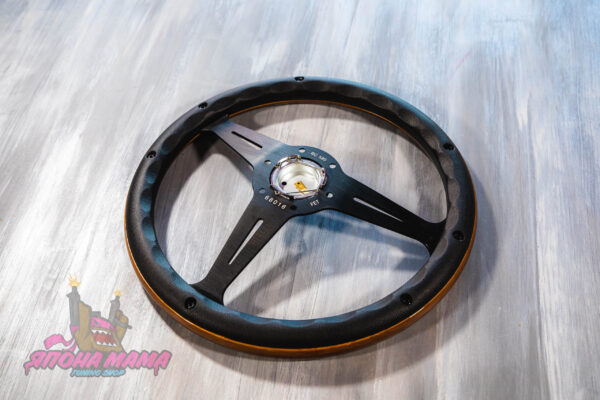 Деревянный спортивный руль Nardi Classic с черными матовыми спицами из анодированного алюминия