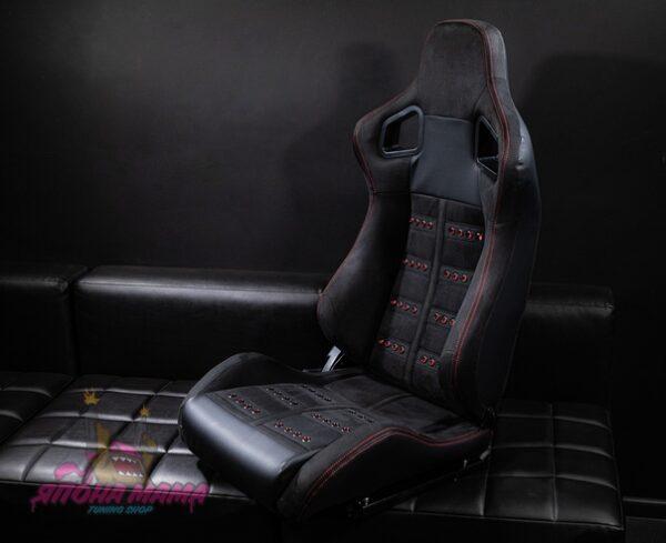 Спортивное сиденье полуковш из алькантары с сочетанием кожи (красная строчка)