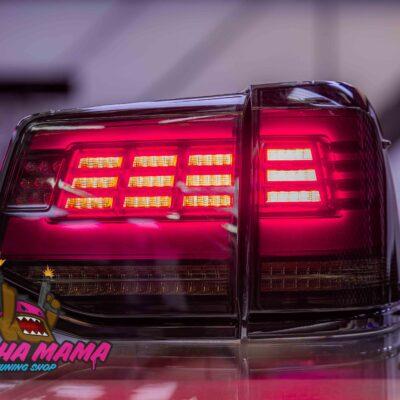 Задние дымчатые фонари NEW диодные на Toyota Land Cruiser 200 2016+
